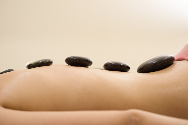Hotstone massage Live4Fit